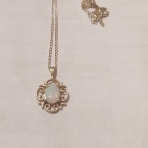 14k Necklace with mother pearl pendent
